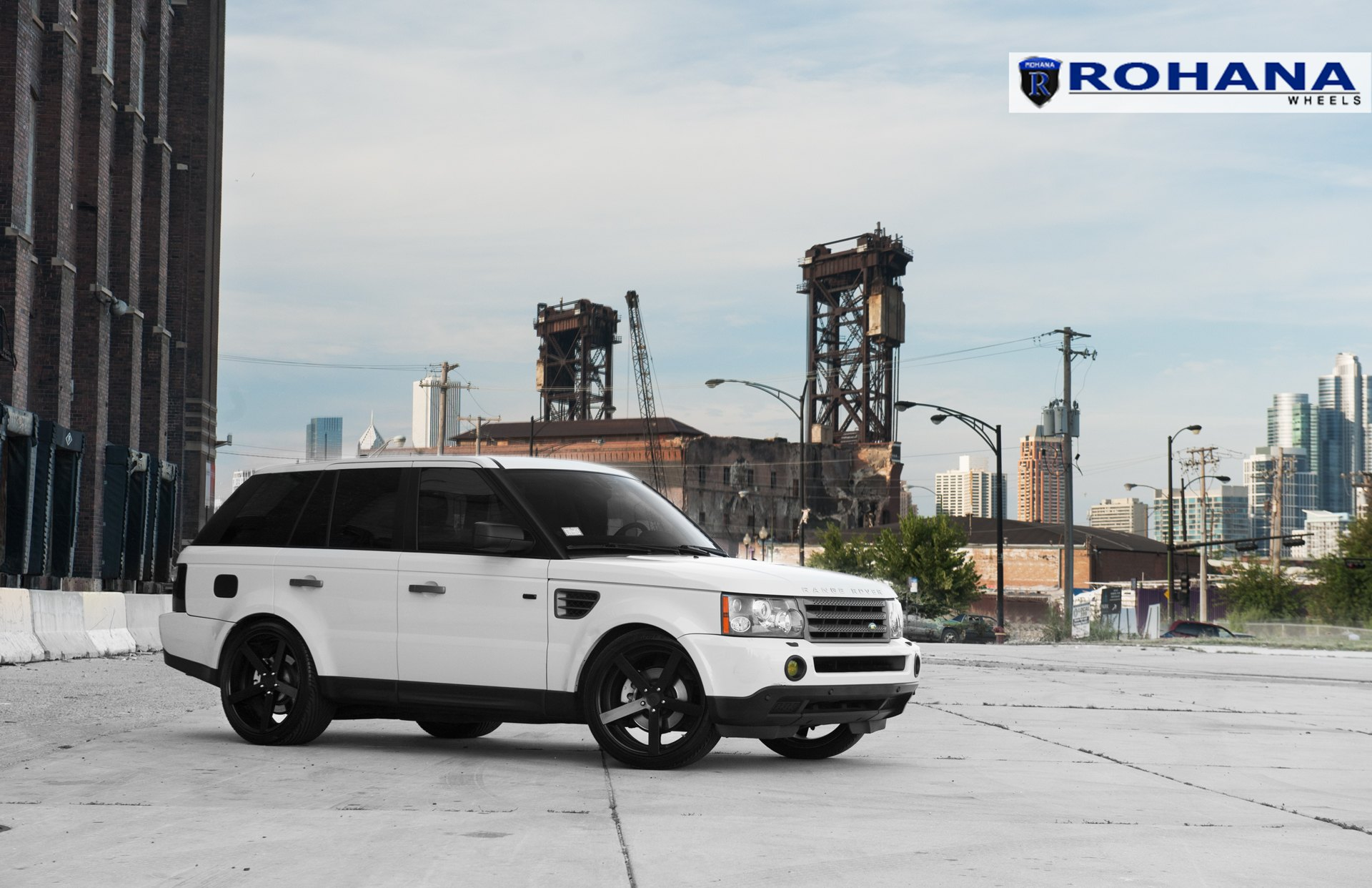Range Rover Sport HSE on Rohana RC22 Custom Wheels — CARiD Gallery