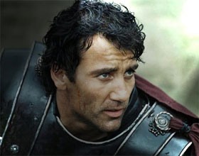 Clive Owen Courtesy of http://www.girl.com.au