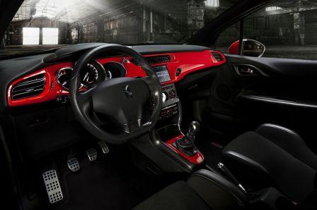 L'intérieur de la Citroen DS3 Racing Sebastien Loeb