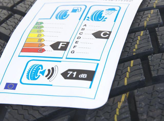 Bien choisir son pneu grâce à l'étiquetage des pneus