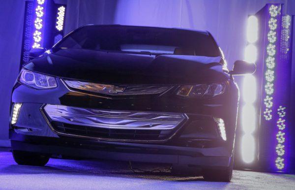 GM a assisté au Consumer Electronics Show de Las Vegas avec un aperçu de la Volt 2016.