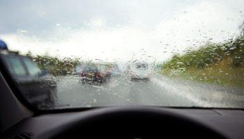 Conseils pour conduire sous la pluie