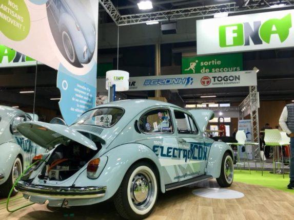 Salon de l'automobile de Paris 2018 : Volkswagen coccinelle classique à l'électricité