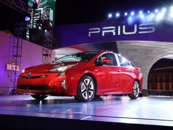 Voiture électrique ou hybride ? Toyota Prius
