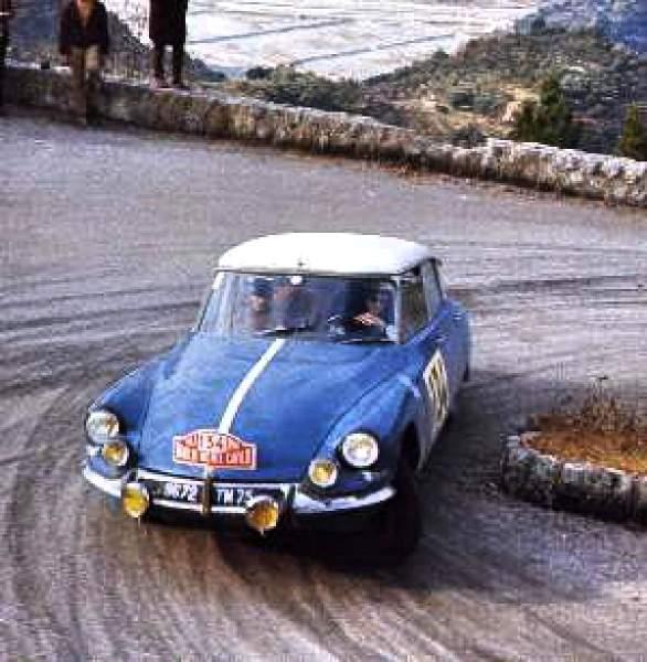 Bob Neyret et sa Citroen DS 21 au rallye de Monte Carlo