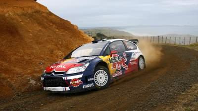 Avec son copilote Julien Ingrassia, l'ex-champion du monde junior prend la deuxième place du rallye de Nouvelle-Zélande 2010.