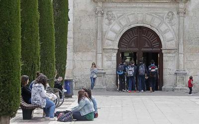 Presentación de Cáritas en el Instituto López de Mendoza