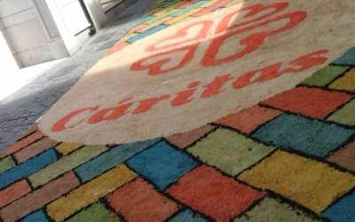 Cáritas invita a la construcción de un mural colaborativo