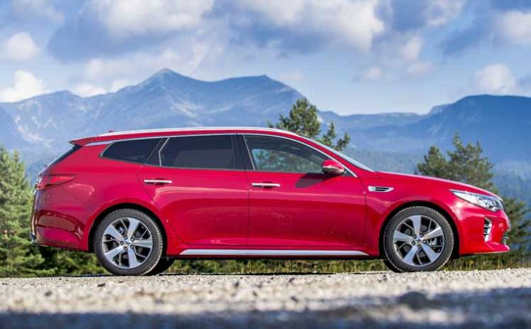 Optima-sportswagon-side