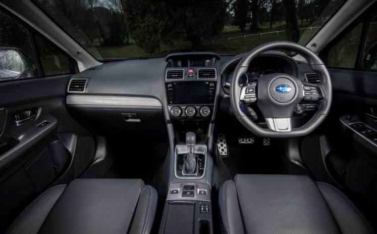 Subaru-Levorg-interior