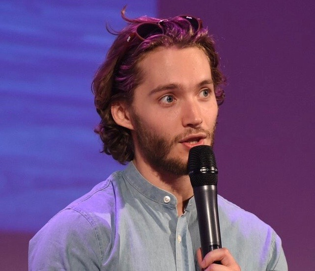 Toby Regbo - Convention Parigi (aprile 2019)