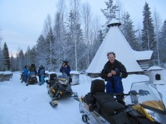 20151226 LAPLAND Snowmobile14