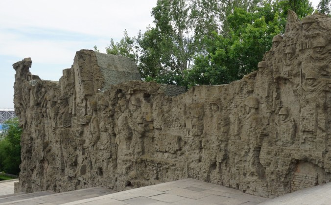Murals depicting the street fighting nature of the battle of Stalingrad.