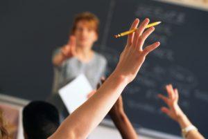 Risultati immagini per aula scolastica con maestra nervosa