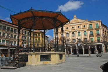 Plaza Mayor y Teatro Juan Bravo