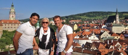 Héctor, Filo y Carlos viajando por Bohemia.