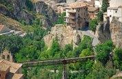Puente de Hierro y Casas Colgadas