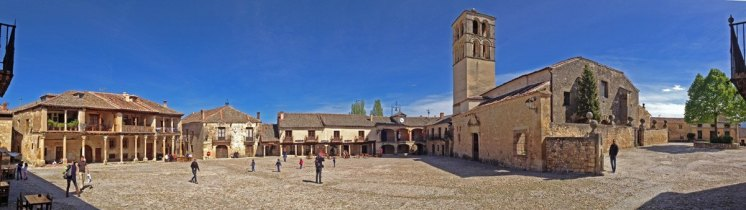 Panorámica de la Plaza Mayor de Pedraza (Segovia)
