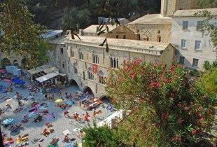 Playa y Abadía de San Fruttuoso