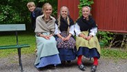 Norsk Folkmuseum. Niños con Trajes Típicos