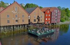Bryggen, Bar y Almacenes Comerciales