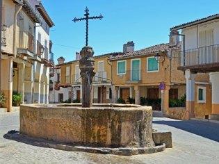 Plaza y Fuente de los Tres Chorros
