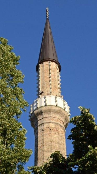 Bascarsija. Minarete Mezquita Gazi Husrev Bey