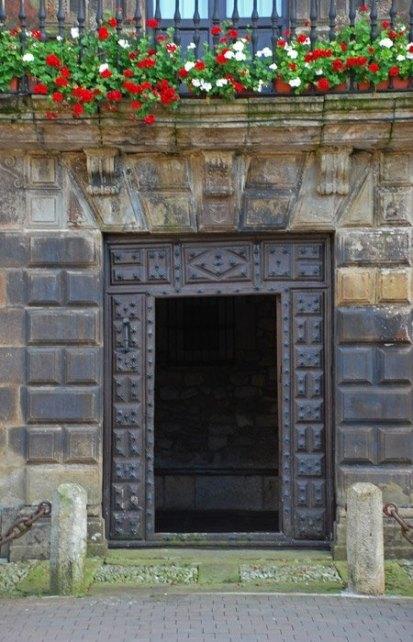Puerta Casa de los Cañones