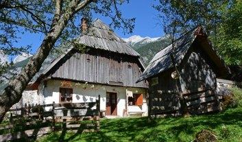Parque Nacional de Triglav. Trenta. Casa y Montañas