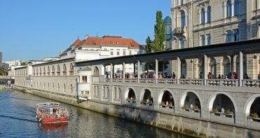Liubliana. Río Liublianica, Barco y Mercado