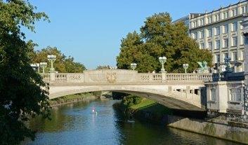 Liubliana. Río Liublianica y Puente de los Dragones