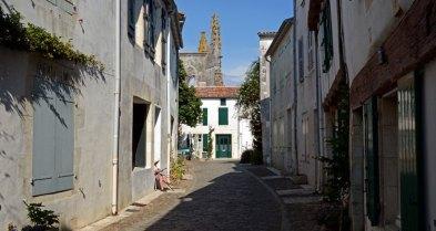 Saint Martin de Ré. Calle y Ruinas de la Iglesia
