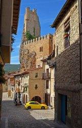 Calle del Horno y Castillo de Frías