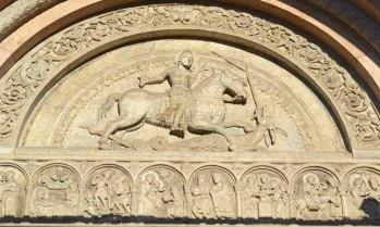 Catedral. Tímpano de la Portada. San Jorge