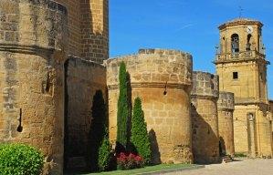 SAJAZARRA - Murallas del Castillo y Torre de la Iglesia