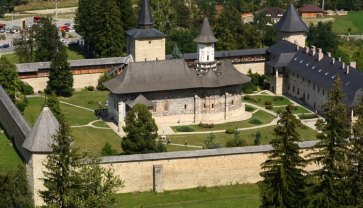 Monasterio Sucevita. Iglesia y Murallas