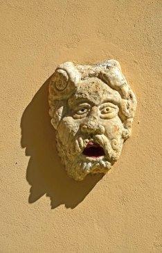 Máscara de fachada - Chianalea, Scilla