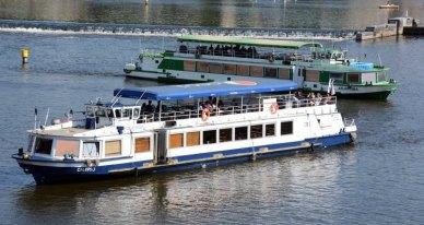 Barcos en el Río Moldava
