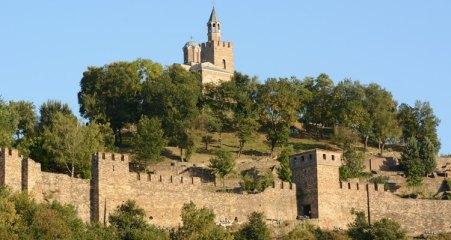 Fortaleza de Tsarevets. Puerta de Asenova e Iglesia del Patriarca