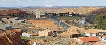 Paisaje de Santa María de Huerta, al fondo el Moncayo