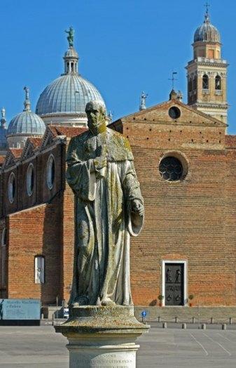 Fachada de Santa Giustina