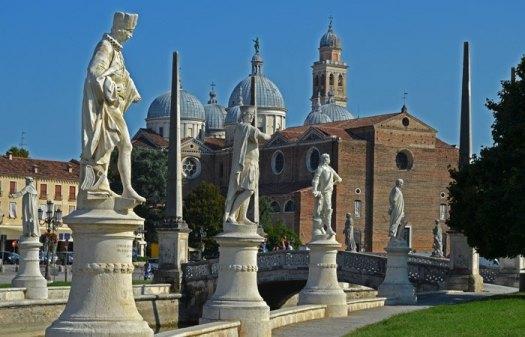 Santa Giustina desde el Prato della Valle