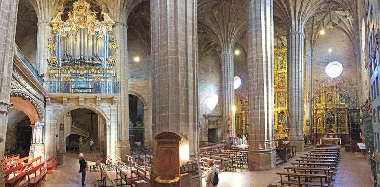 Iglesia de la Asunción - Órgano e Interior