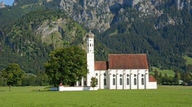 Iglesia de San Coloman y Alpes Bávaros