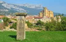 Samaniego - Al fondo la Sierra de Cantabria