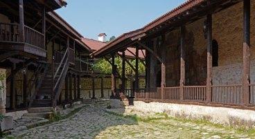 Monasterio de Rozhen. Claustro