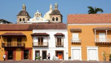 Plaza de la Aduana. Palacios y Torres de San Pedro Claver