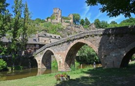 Puente Viejo y Castillo
