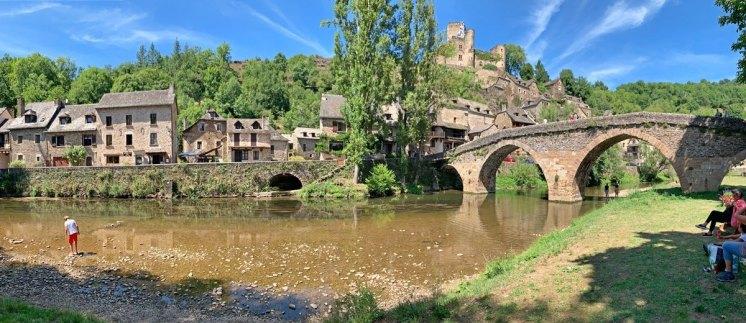 Río Aveyron a su paso por Belcastel