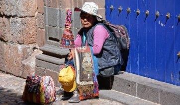 Indígena en las Calles de Cuzco